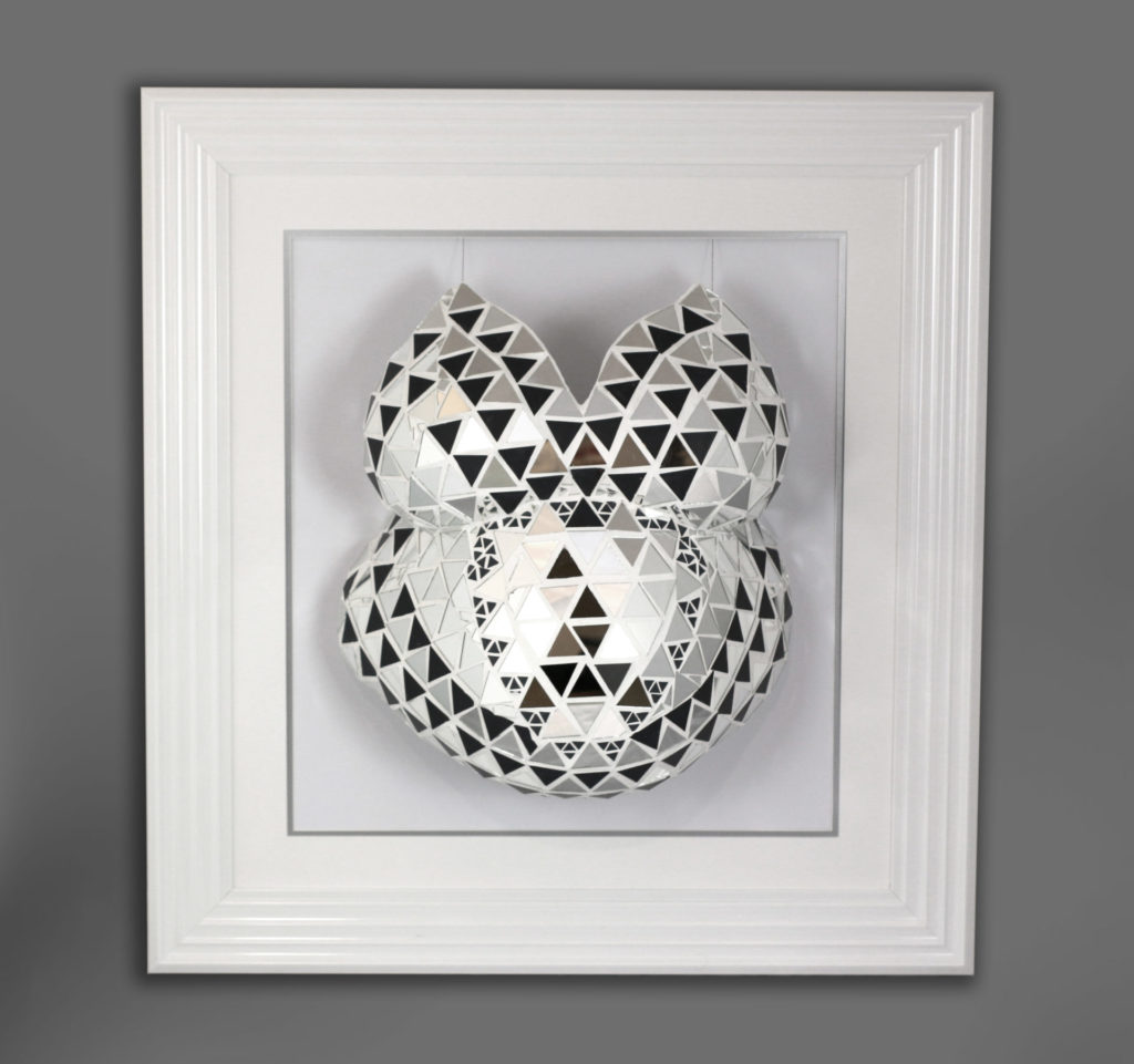 Blingy belly cast | Silver mosaic mirrored in a frame